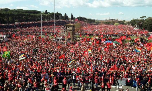La grande manifestazione in difesa dell'articolo 18 del 23 marzo 2002 a Circo Massimo.